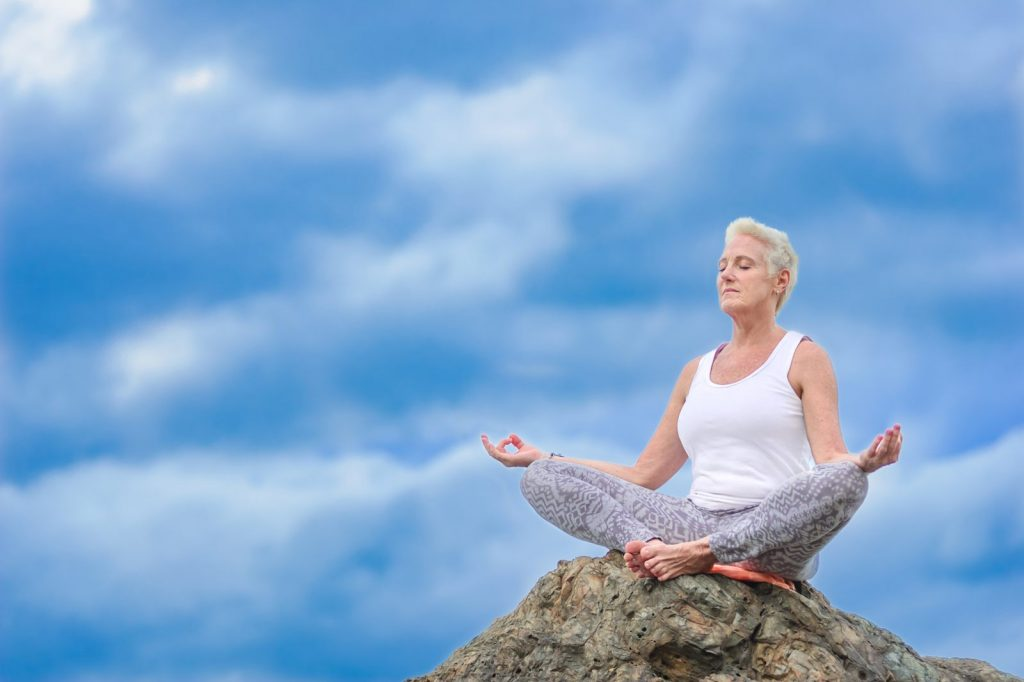 mantenersi in forma con lo yoga