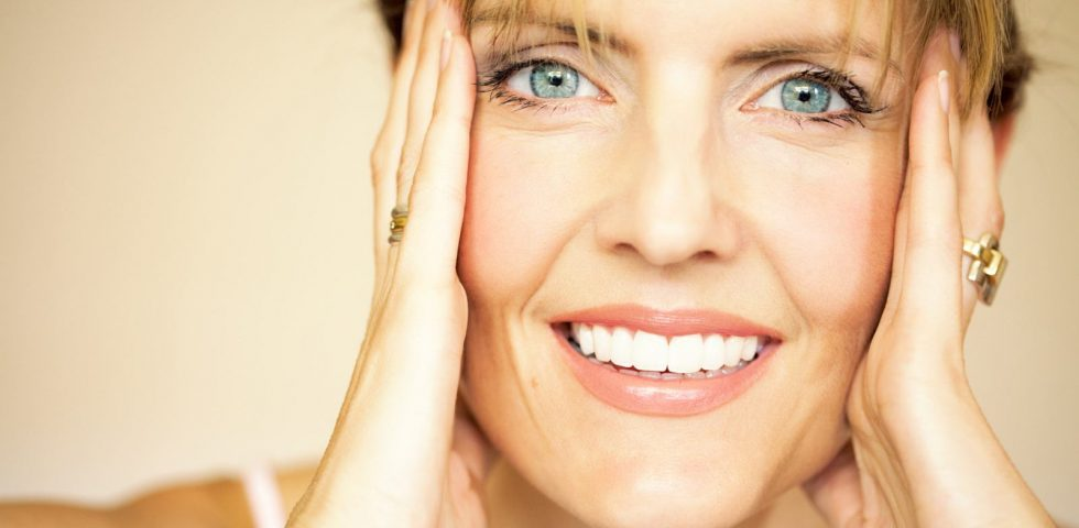 bellissimo sorriso donna menopausa