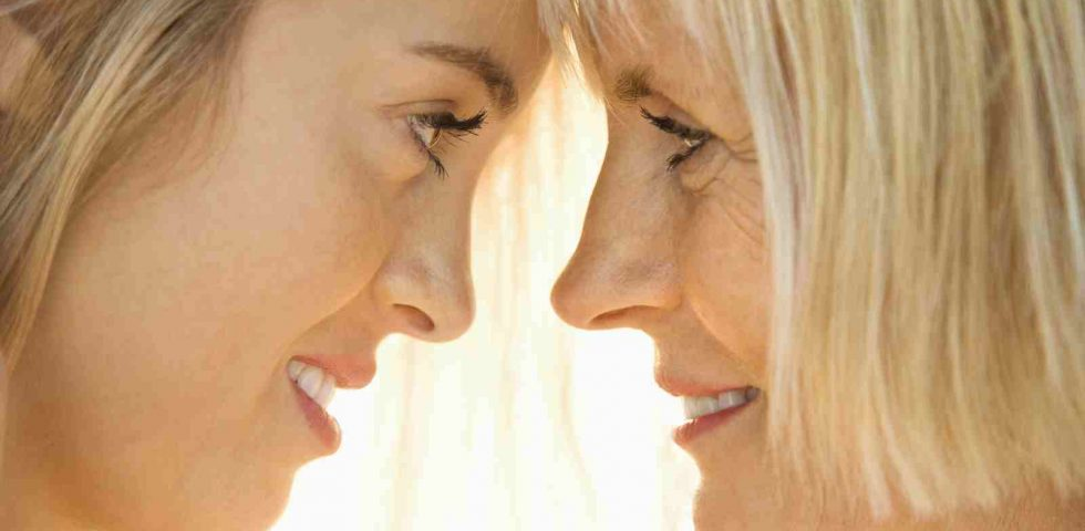 uscire con qualcuno che passa attraverso la menopausa collegati dating app
