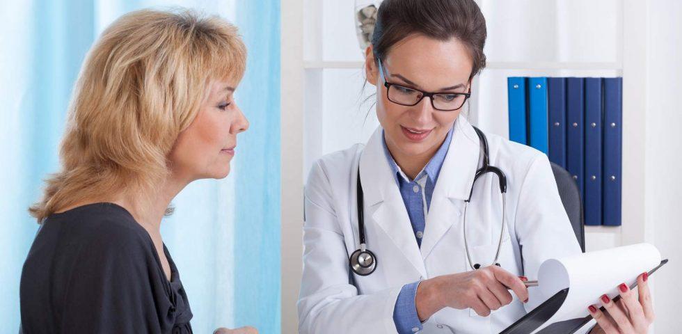 donna pianifica i controlli medici da fare