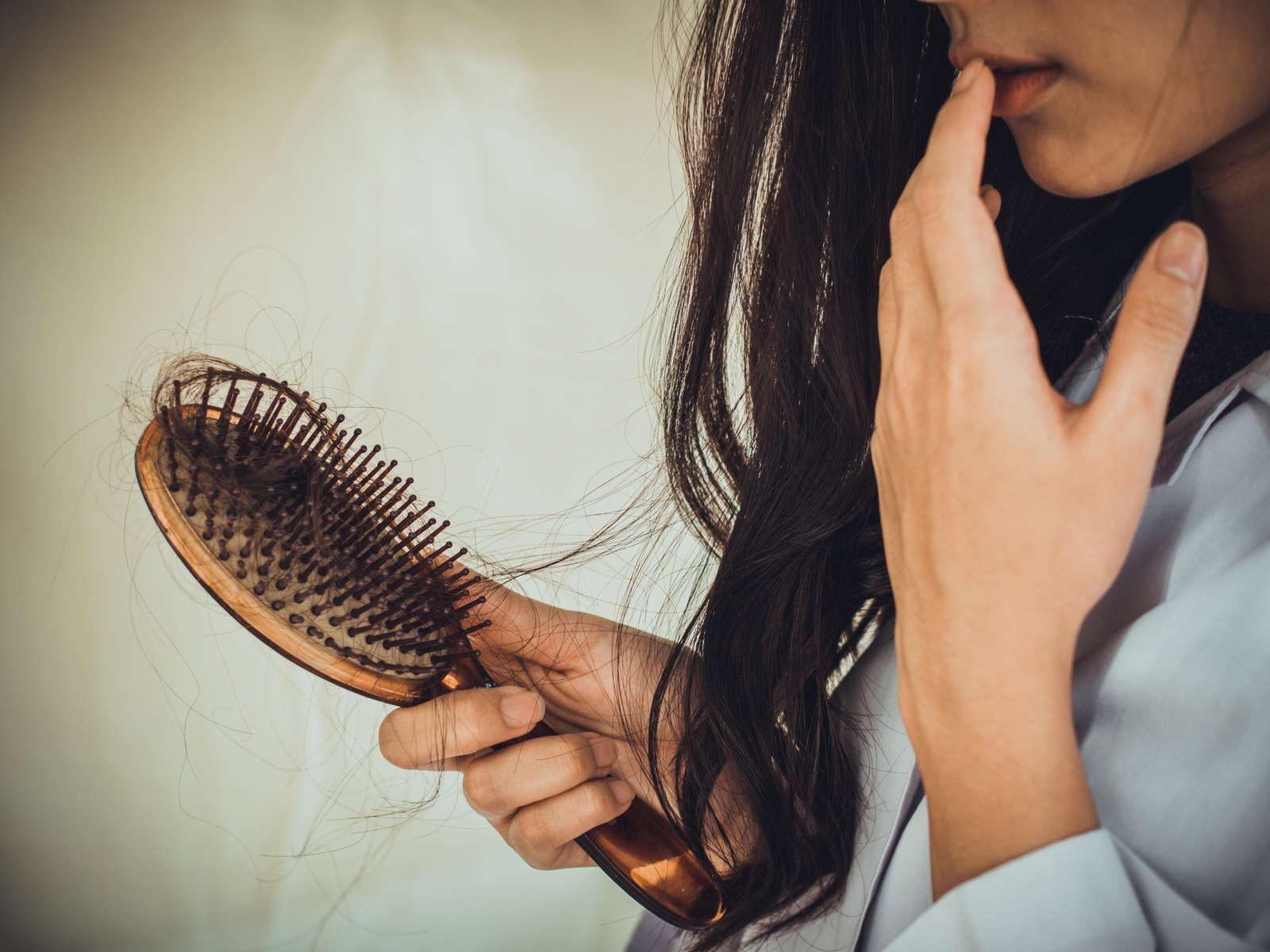 caduta capelli carenza vitamine
